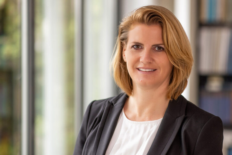 Dr. Anja Bartenbach, LL.M.