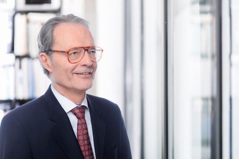 Dr. Stephan Gruber