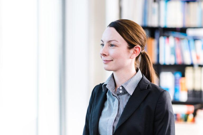 Dr. Carina Becker