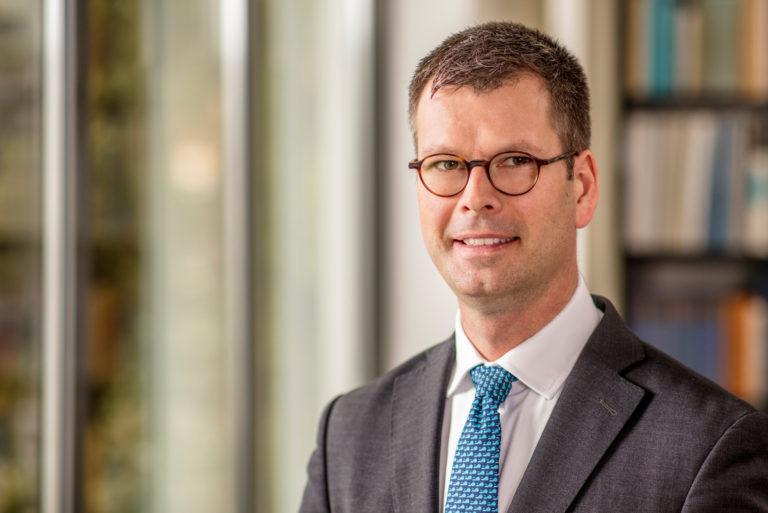 Dr. Roman Jordans, LL.M. (NZ)